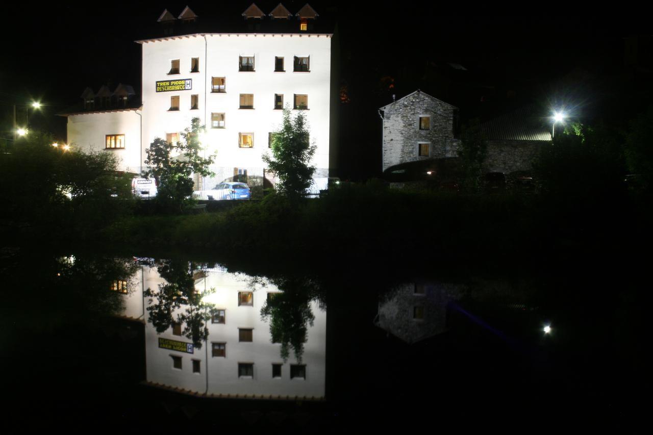 Noche en Hotel Tres Picos